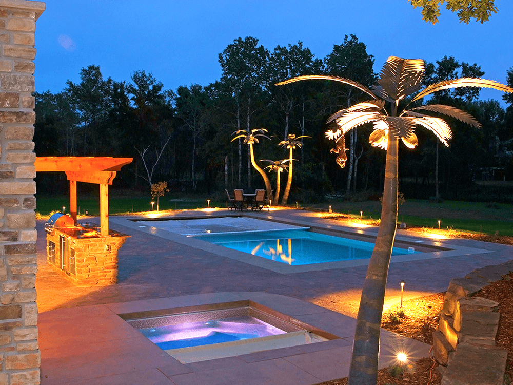 Closing pool and spa covers