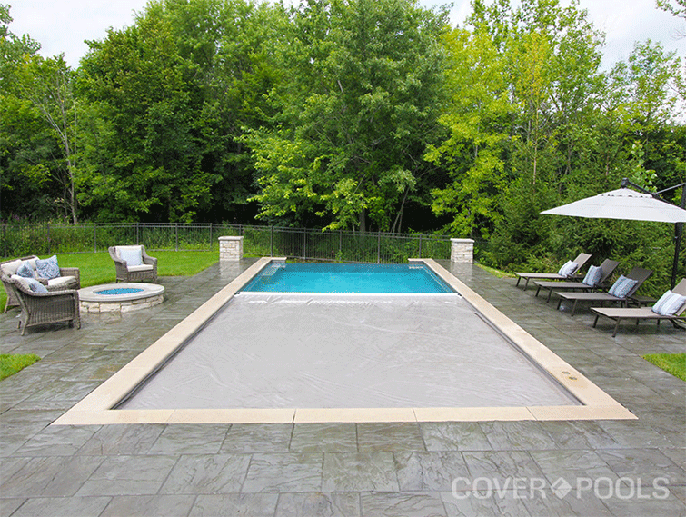 How to Maintain a Pool When Not in  Use